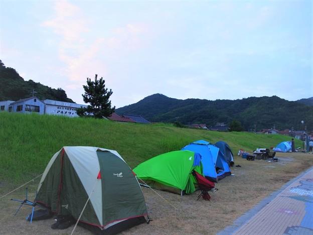 ビーチについて 早速 テント設営