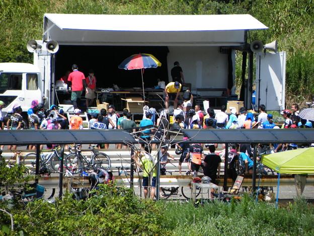 帰路の新潟 日本海間瀬サーキット 自転車イベントだったような?