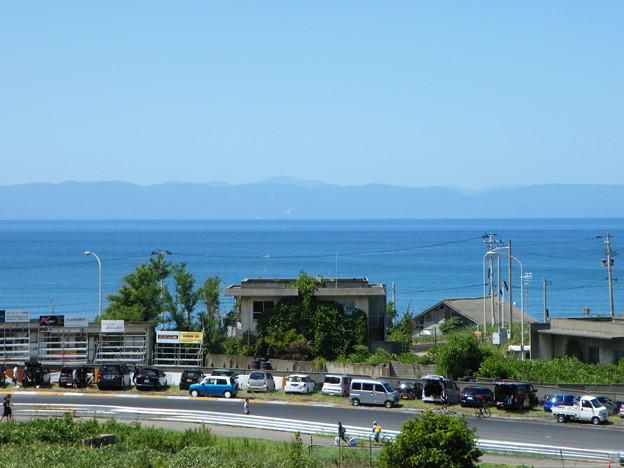 帰路の新潟 日本海間瀬サーキットから見える海