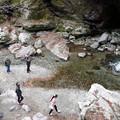 Photos: 中津渓谷で 眼下の二人