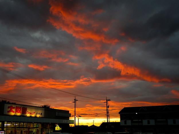 写真: ヘビーメタルな空