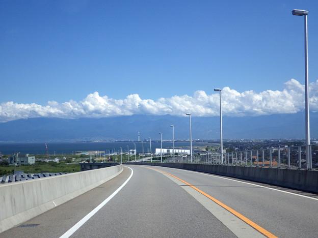 立山見えない新湊大橋