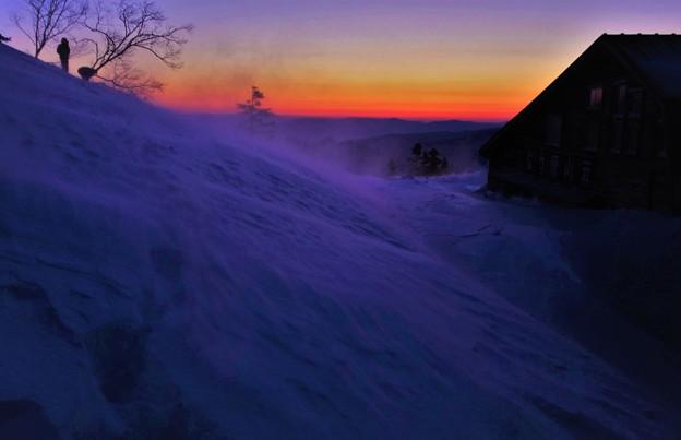 位ヶ原山荘の夜明け