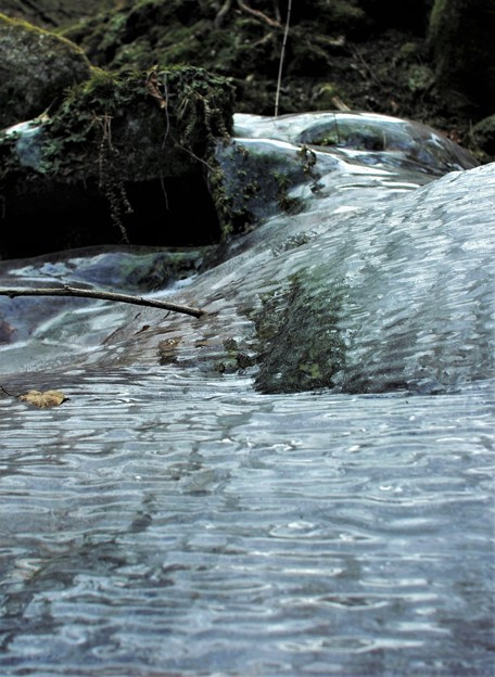 1月の渓谷 2