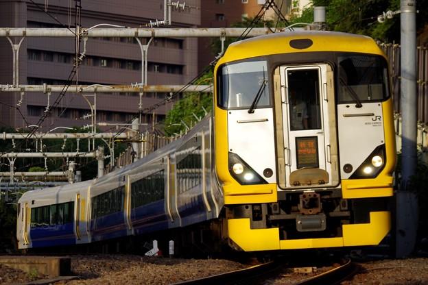 中央快速線へ転線する新宿さざなみ4号