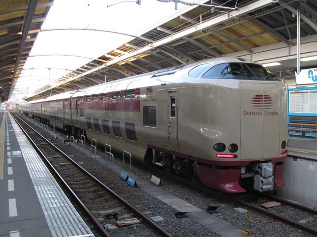 高松駅に到着した寝台特急サンライズ瀬戸