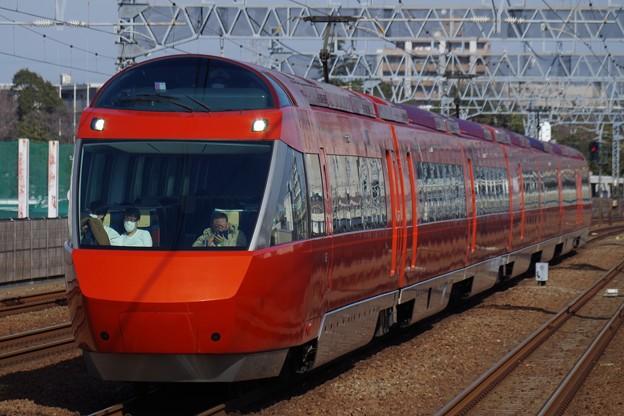 和泉多摩川駅を通過するGSE