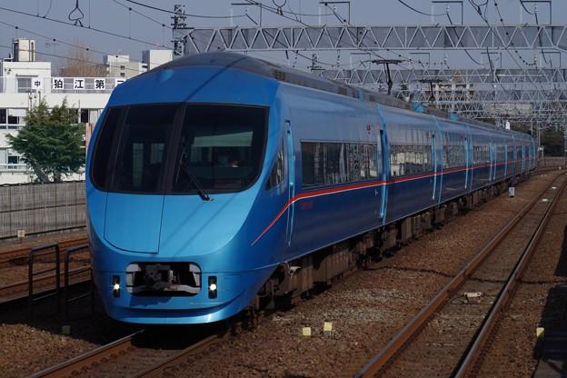 和泉多摩川駅を通過するMSE