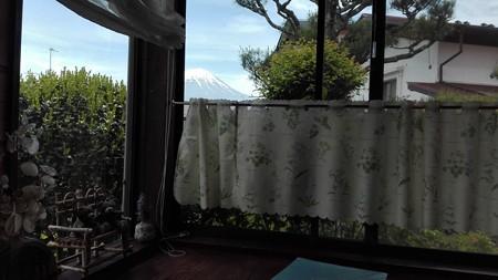 カフェから富士山@スローガーデン砧