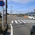 写真: 分れ道という交差点