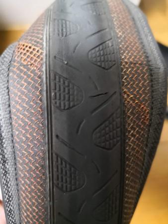 タイヤの傷