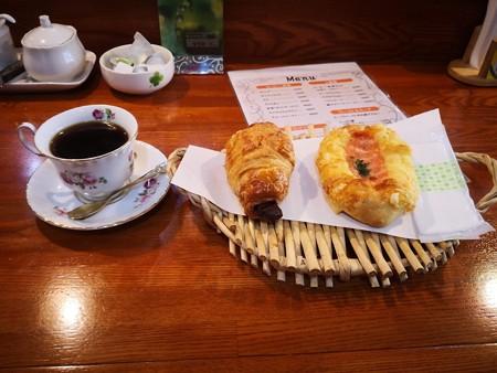 珈琲とパン