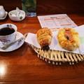 Photos: 珈琲とパン