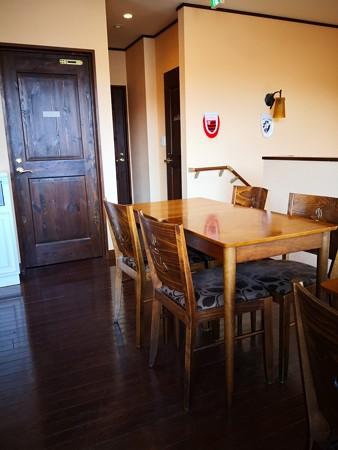 モン・ペシェ・ミニョン店内 2階カフェエリア