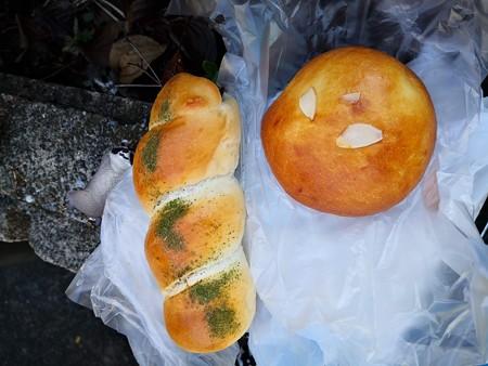 クリームパンとソーセージパン@Noah