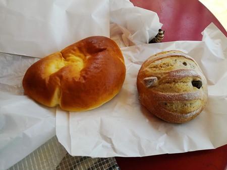 クリームパン/栗のブリエを食べる@ぶーる・ぶーる・ぶらんじぇり