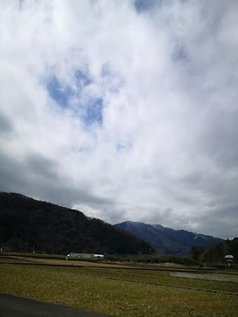 仏果山を遠くから。