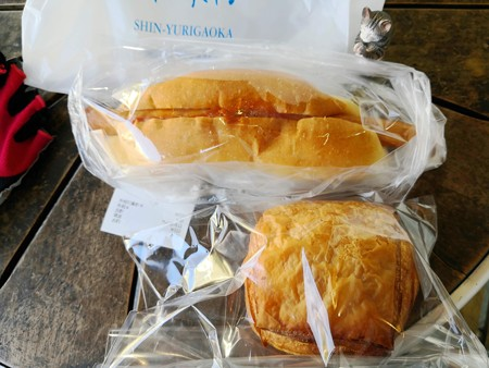 ながーいウインナーパンにパンチョコラ@ユキ