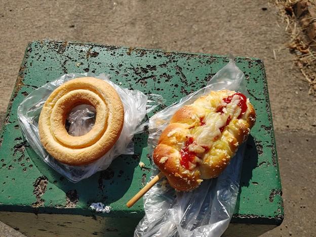 ドーナツとウインナーパン