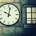 Photos: 10時2分の窓