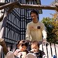 012 中庭の木製ブランコ by ホテルグリーンプラザ軽井沢