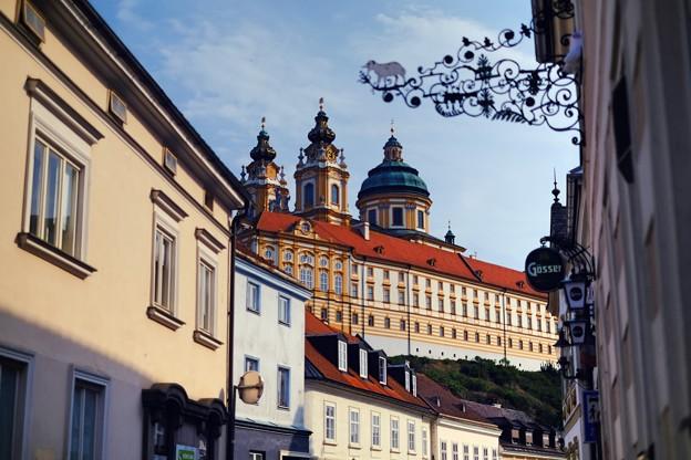 青空と修道院-Melk, Austria