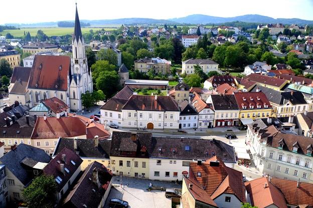 町を一望-Melk, Austria