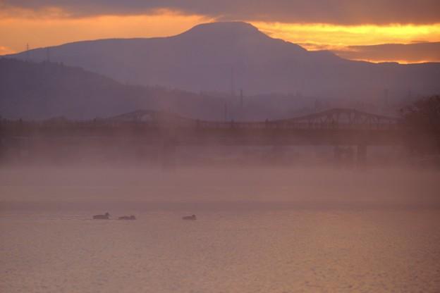 初日の出を待ちわびて-大分県日田市:三隈川