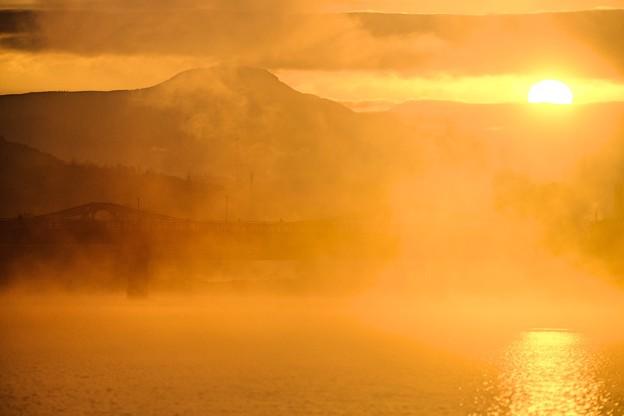 朝靄の彼方から-大分県日田市:三隈川