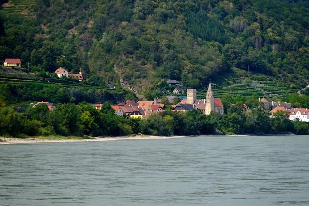 ヴァッハウ渓谷へ-Donau, Austria