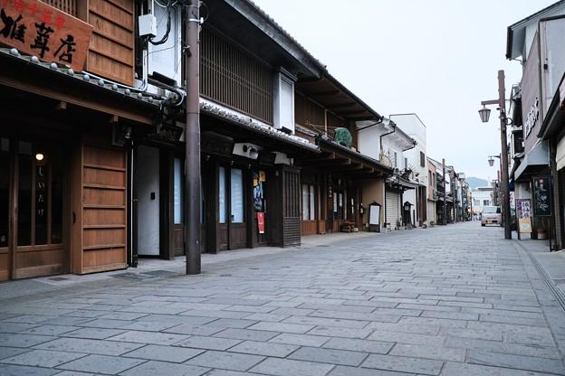 静かなメインストリート-大分県臼杵市:八町大路