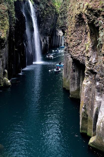 神秘的な渓谷へ-宮崎県高千穂町:高千穂峡