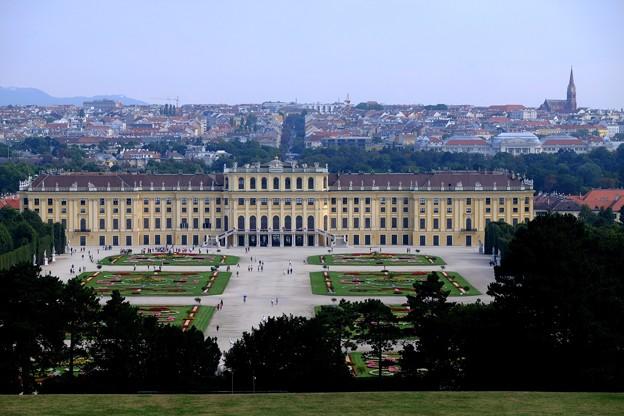 シンメトリー-Wien, Austria