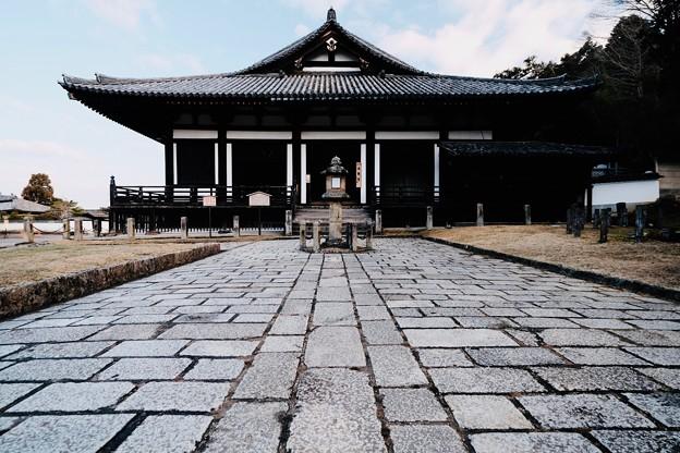 Photos: 秀麗な姿-奈良県奈良市:東大寺三月堂