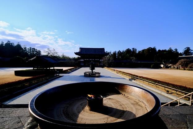 大仏殿の前から-奈良県奈良市:東大寺大仏殿