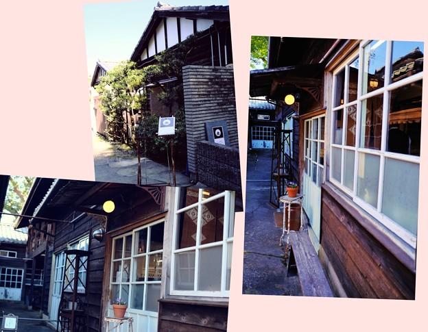 Photos: 工場がカフェに変身-奈良県奈良市:「工場跡事務室」