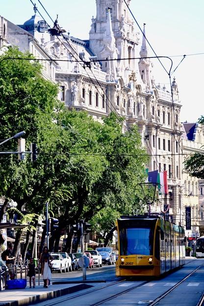 トラムが往く町並み-Budapest, Hungary