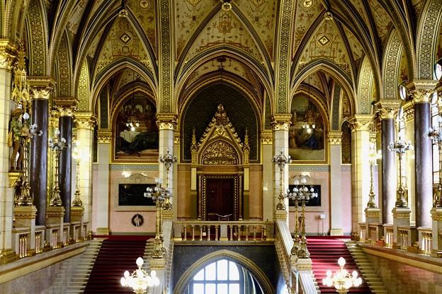 議事堂の中へ-Budapest, Hungary