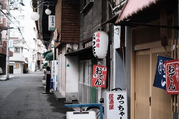 ガード下の街-大阪市阿倍野区:美章園