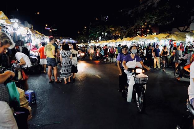 夜市の賑わい-Ho Chi Minh, Viet Nam