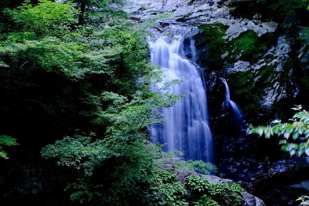 轟音-奈良県天川村:みたらい渓谷