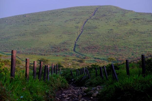 たおやかな山並み-長野県諏訪市:霧ヶ峰