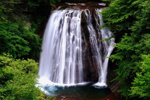 水しぶき-長野県茅野市:横谷渓谷