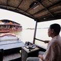 船に乗ってメコン川を移動-Cai Be, Viet Nam