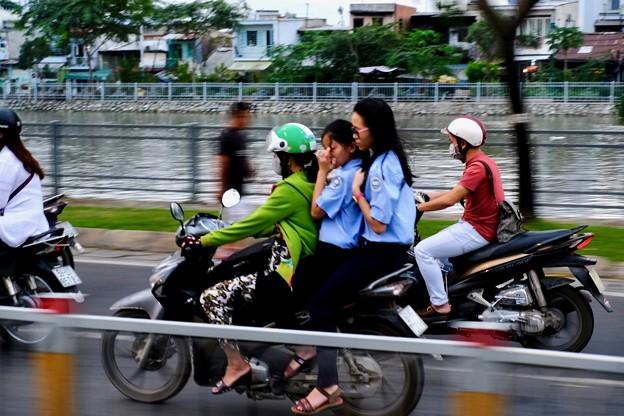 恐るべし、ホーチミンの原付-Ho Chi Minh, Viet Nam