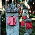 赤い前掛け-京都府宮津市:成相寺