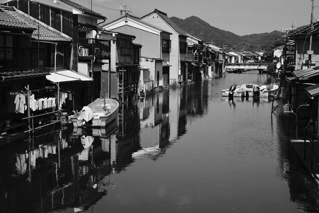 今も利用される水路-京都府舞鶴市:吉原
