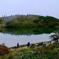 少しだけ霧が晴れて-長野県白馬村:八方池