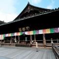 舞台から眺める本堂-奈良県桜井市:長谷寺