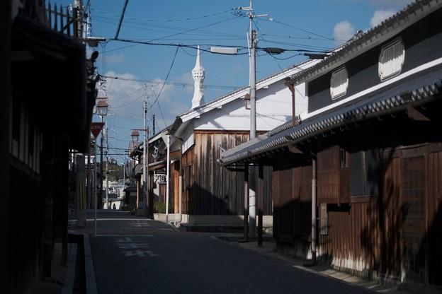 古民家の向こうに-大阪府富田林市:寺内町